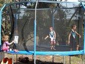 Trampolina ogrodowa z siatką